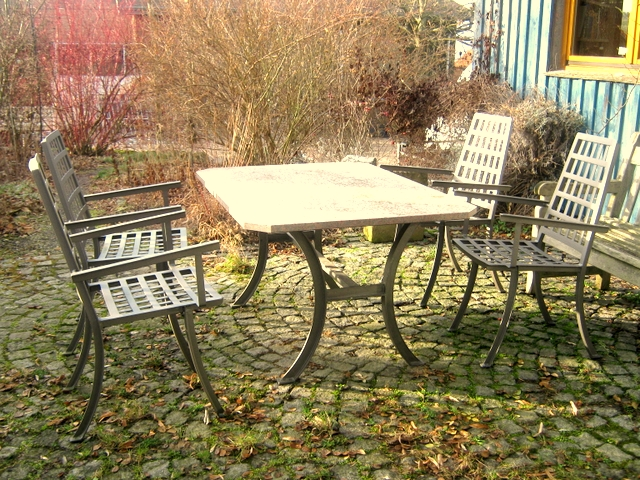 Gartentisch-gross-1